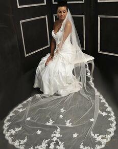 Elena Designs E1152 Short Ivory Veil