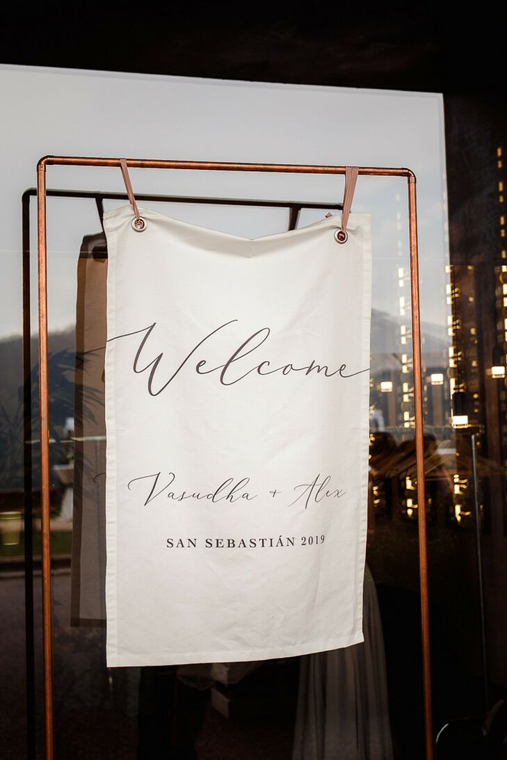 Cloth Welcome Sign for Wedding in San Sebastian, Spain