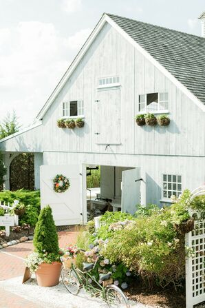 Rustic Wedding at Bonnet Island Estate in Manahawkin, New Jersey
