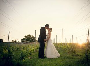 Cynthia and Scott incorporated the beautiful backdrop of their wedding location into their rustic, elegant celebration.