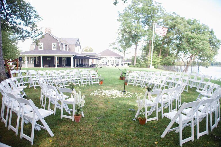 round ceremony seating arrangement