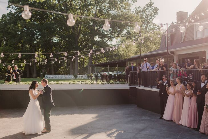 Outdoor First Dance at Toledo Country Club in Toledo, Ohio