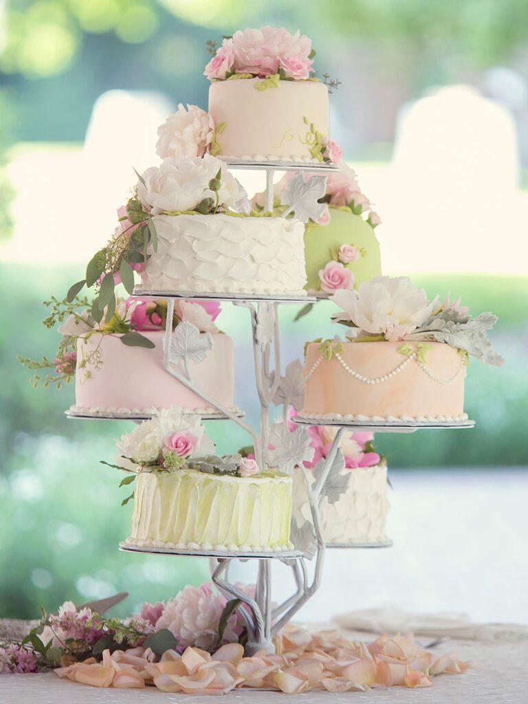 SIngle tier wedding cakes assortment