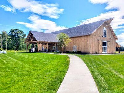 Fortune Valley Manor - Barn Venue