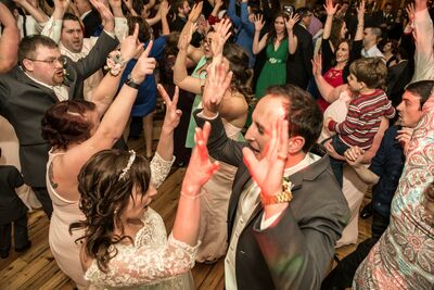 COMPLETE Weddings + Events: Milwaukee