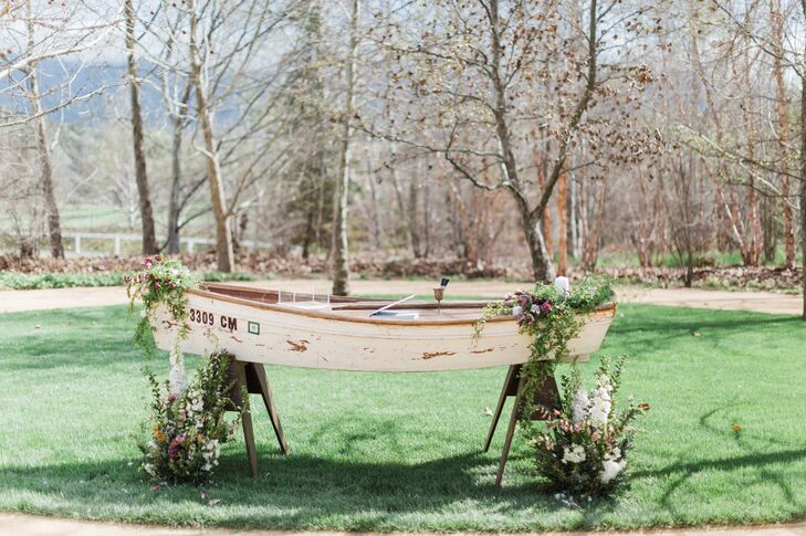 Rustic Rowboat Welcome Table