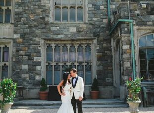 Paula and David wed at the Hempstead House in Sands Point, New York at a beautiful outdoor ceremony. The couple incorporated elegant 1920s-inspired de