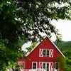 A Rustic Summer Wedding at Hill Farm Inn in Sunderland, Vermont