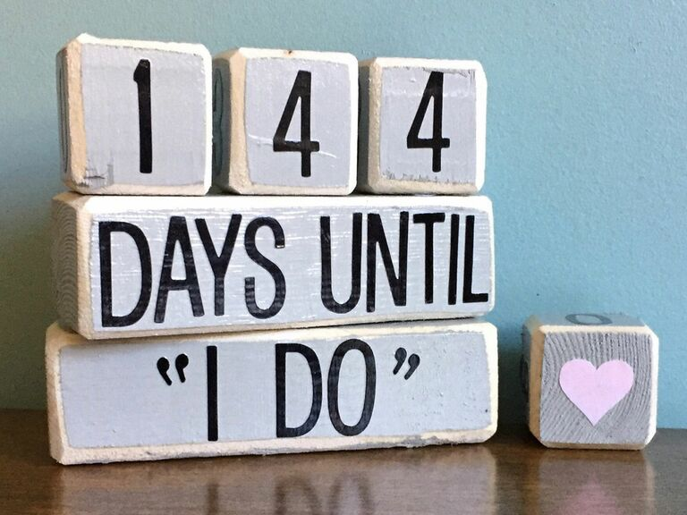 wooden countdown blocks for wedding