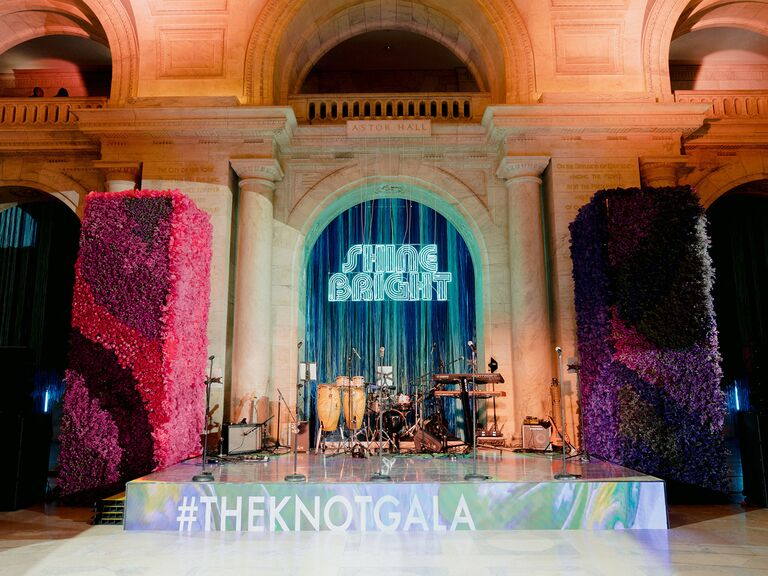 the knot gala stage and sign