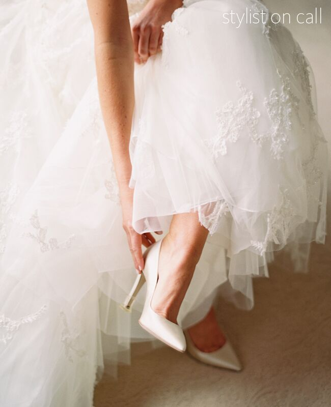 Changing Your Shoes From Ceremony To Reception Img Cl