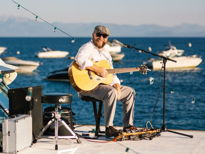 Jeff Jones - Solo, Duo, Trio, DJ - Acoustic Guitarist - Incline Village, NV