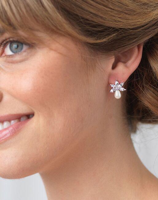 Dareth Colburn Naomi Freshwater Pearl Stud Earrings (JE-4153) Wedding Earrings photo