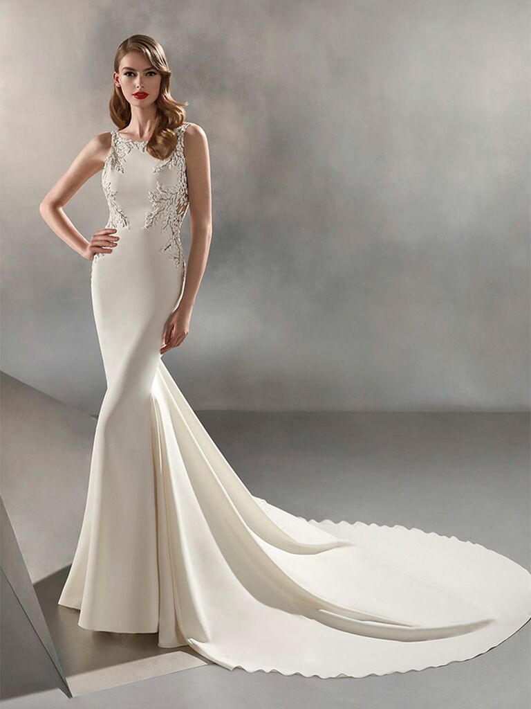 Atelier Provonias wedding dress high-neck trumpet gown with lace on sides