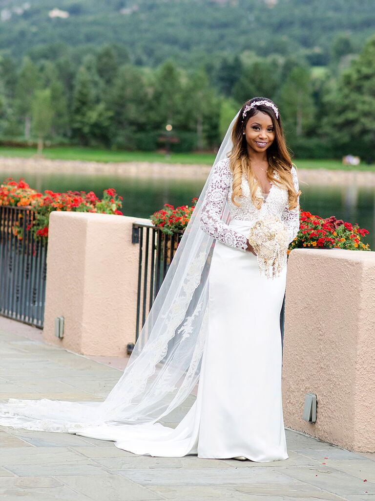 Classic wedding dress with long sleeves