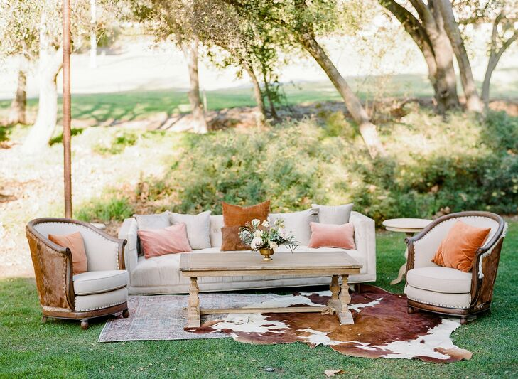 Rustic Lounge Furniture at Vista Valley Country Club in California
