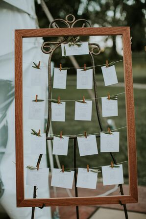 Simple and Fresh Seating Chart Display