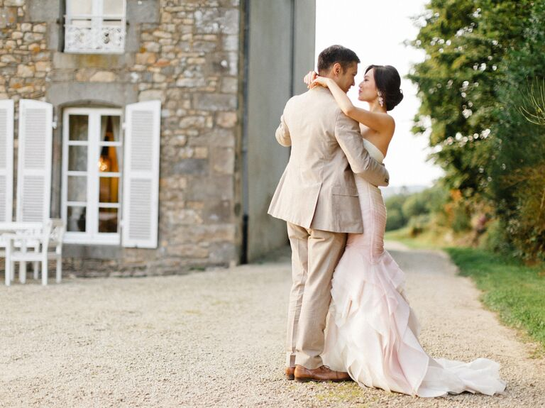 what to wear to a wedding in a french chateau