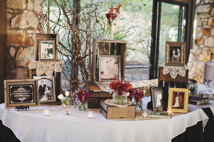 Drawing inspiration from the 1920s, Kirsten and Marc incorporated a burgundy and cream color palette with vintage accents and family photos.