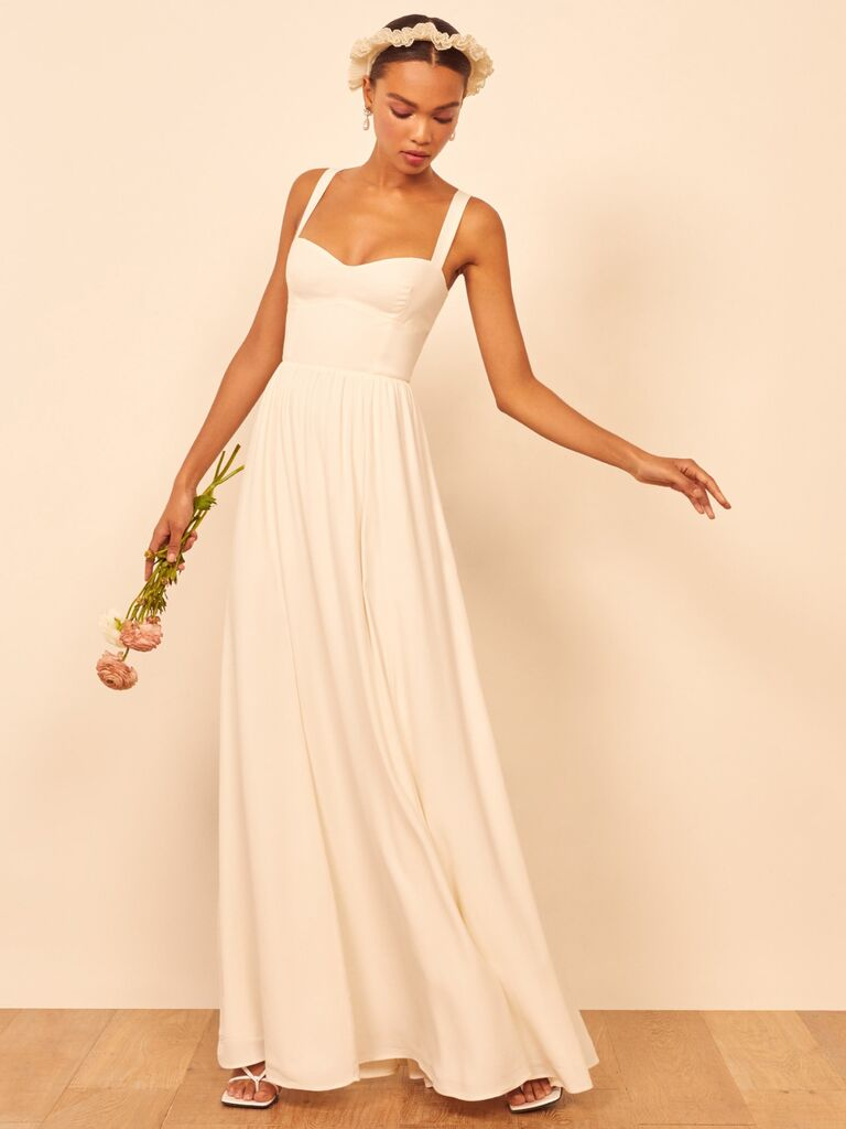 Long white casual second marriage wedding dress