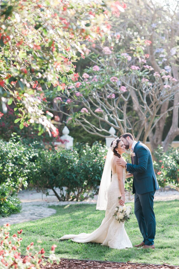 Ashleigh and Alex fell in love with the lush greenery surrounding the Bonnet House Museum and Gardens in Fort Lauderdale, Florida, and knew it was ideal for their wedding day.