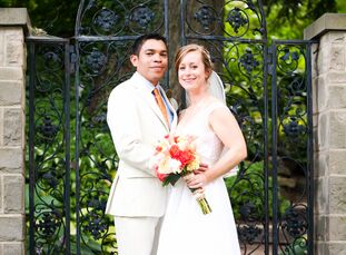 Samantha Walters (28, a postpartum doula) and Mario Castellon Ibarra (31, a health administrator) both worked at the same hotel in Costa Rica when the