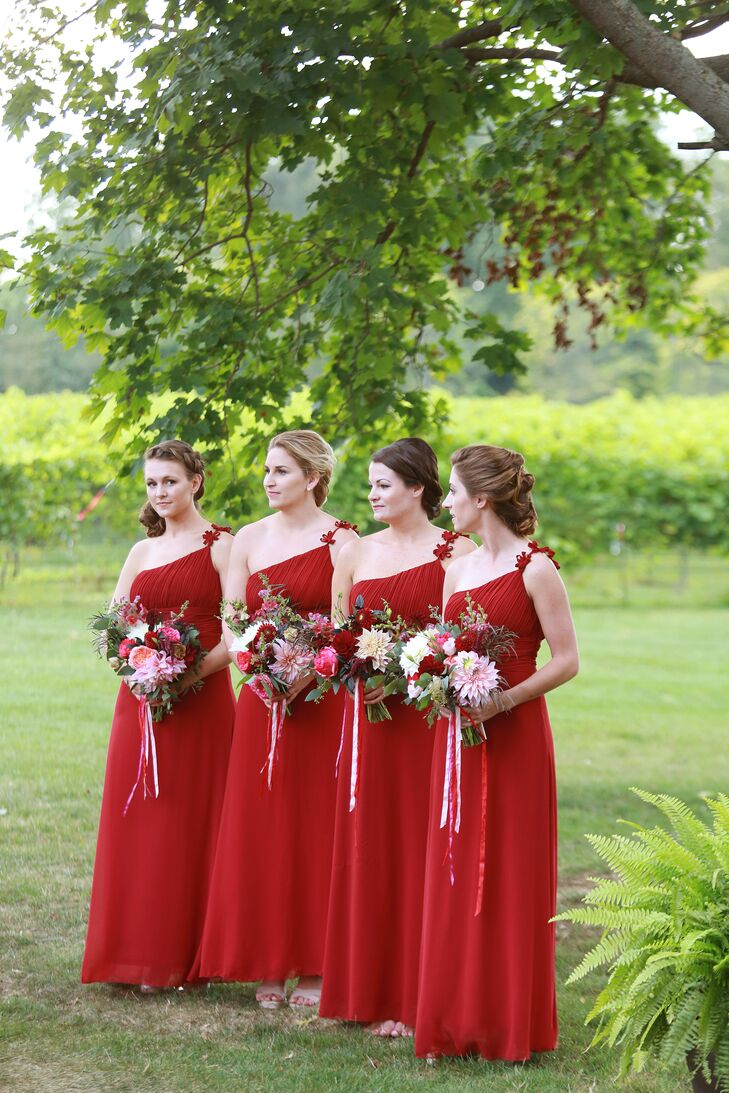 Red One-Shoulder Chiffon Bridesmaid Dresses
