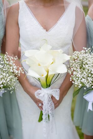 Simple Ivory Calla Lily Bouquet