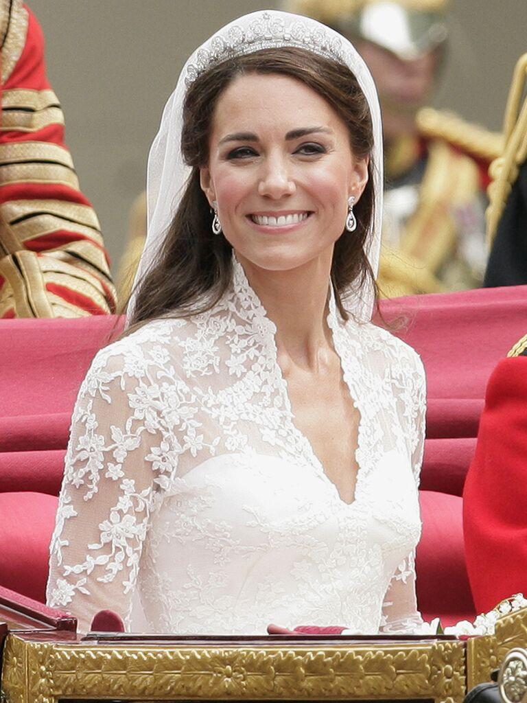 kate middleton wedding makeup in carriage
