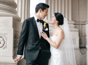 Kesi Chen (29 and a physician) and Michael Yang (28 and a physician) wanted a modern wedding that paid homage to their Chinese heritage. They chose re