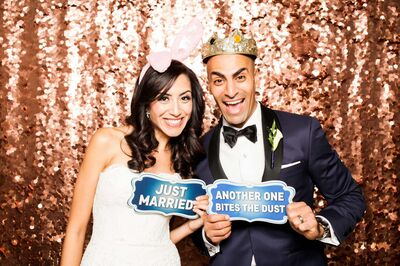 Magic Moment Photo Booth - Open | Mirror | Selfie Booth