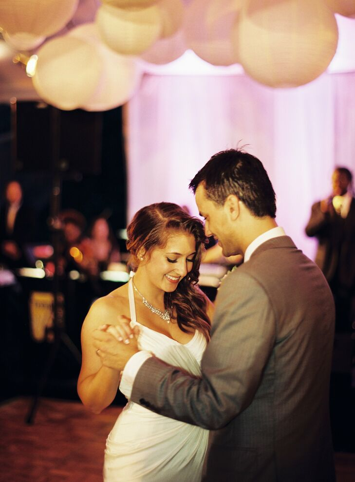 The couple danced to Saw Red by Sublime's Bradley Nowel and Gwen Stefani. Sublime was a band we both loved in college and the lyrics reminded us of the beginning of our relationship. recalls Caryn.