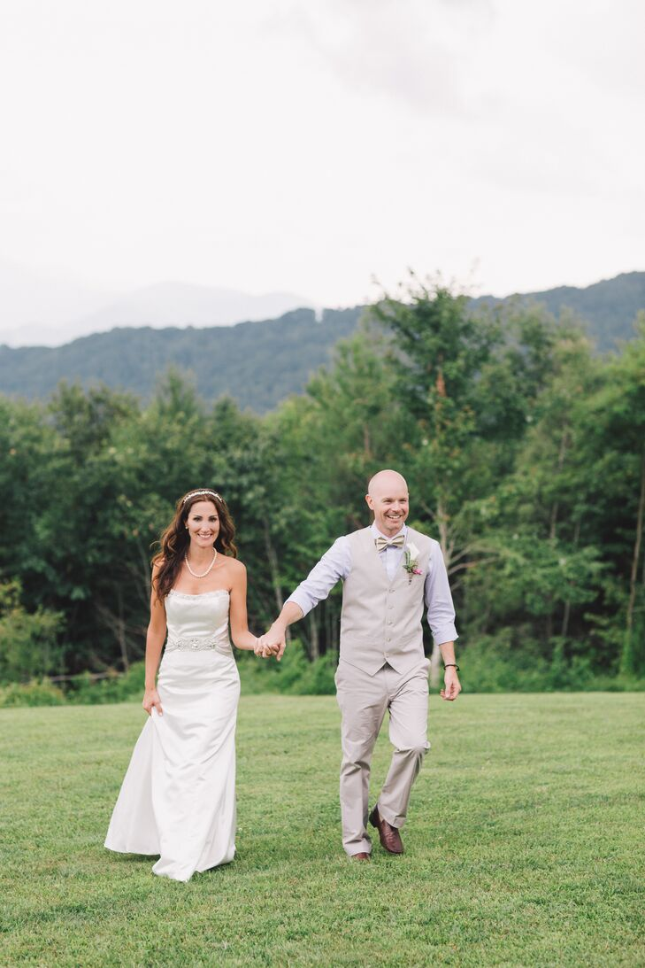 Thirty days before Michelle Halbisen (44 and an occupational therapist) and Adam LaForme (42 and in medical sales) were set to elope, they had a chang
