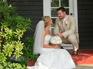"""This classic wedding embodied the calming vibe of a beach setting without actually stepping foot on sand. """"W"""
