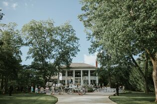Victoria Belle Mansion & Vintage White Barn