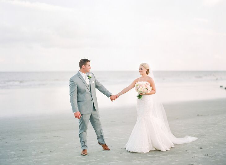 Abby Bartlett (26 and a radiation therapist) and Kyle Larson (28 and a health care director of operations) beach wedding featured soft, romantic hues