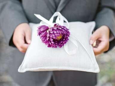 12 Beautiful Wedding Ring Pillows