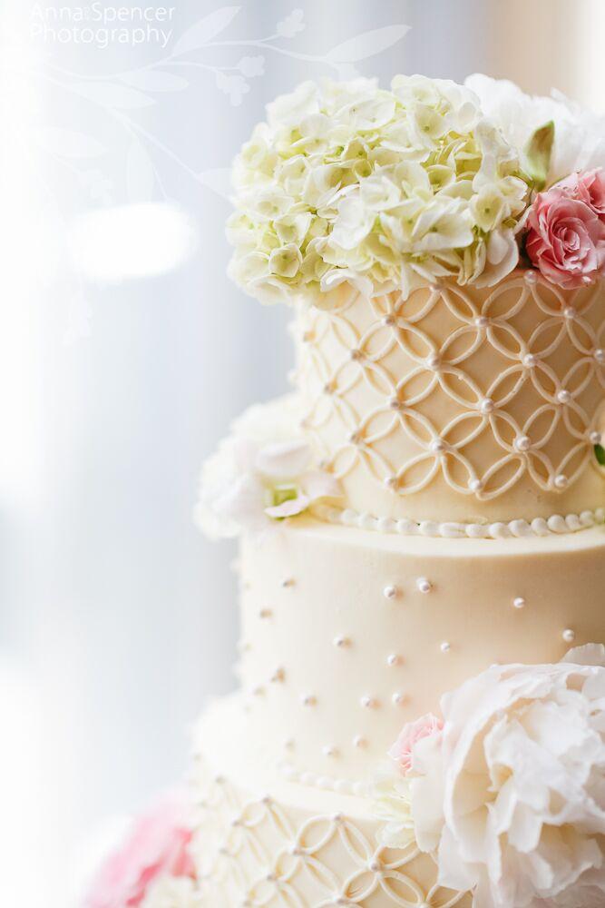 Gabriels Desserts Wedding Cake Bakeries In Atlanta GA