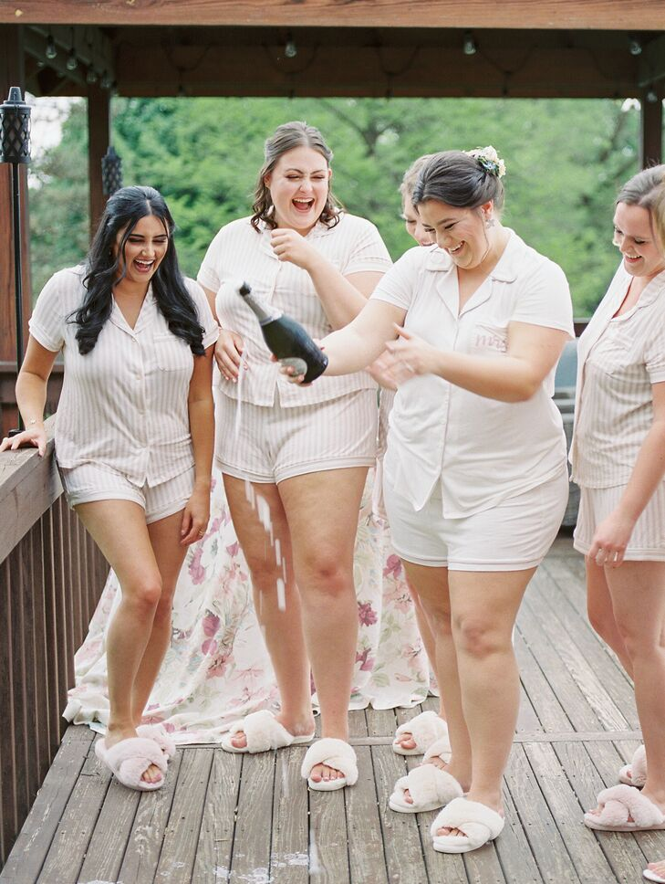 Bridal Party Getting Ready with Champagne in Ohio