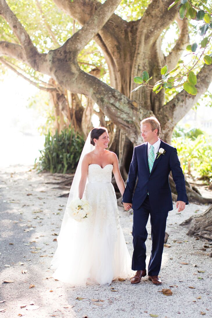 Margot Peroni (33 and a direct saleswoman) and Bastian Schroder (35 and the owner of Horseflight.com) wanted a wedding that woul