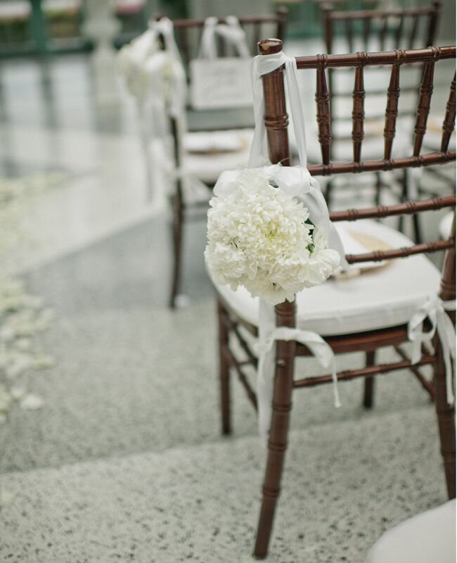 Photo: Bee Photographie // Featured: The Knot Blog