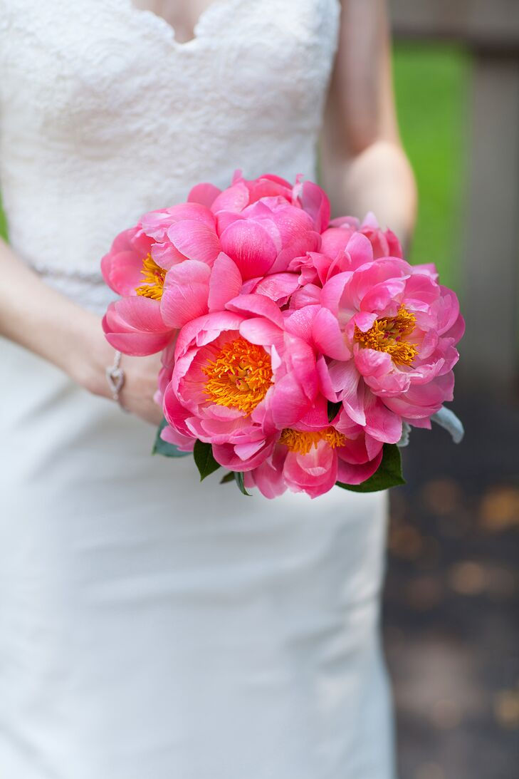 Sharon carried a simple, romantic bouquet of bright pink peonies.