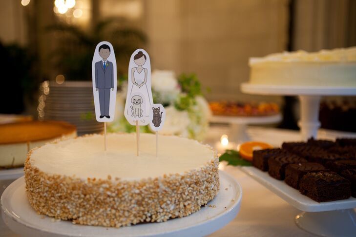 Single-Tier Wedding Cake With Custom Paper Toppers