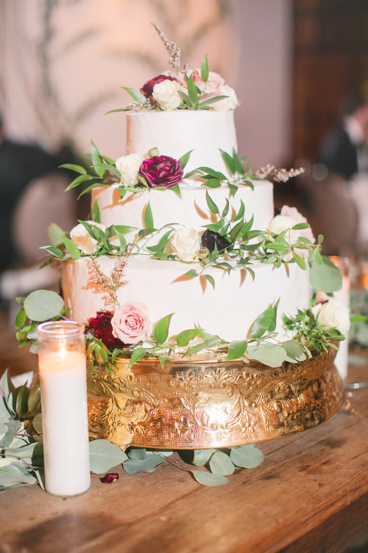 Round Cake with Greenery and Roses