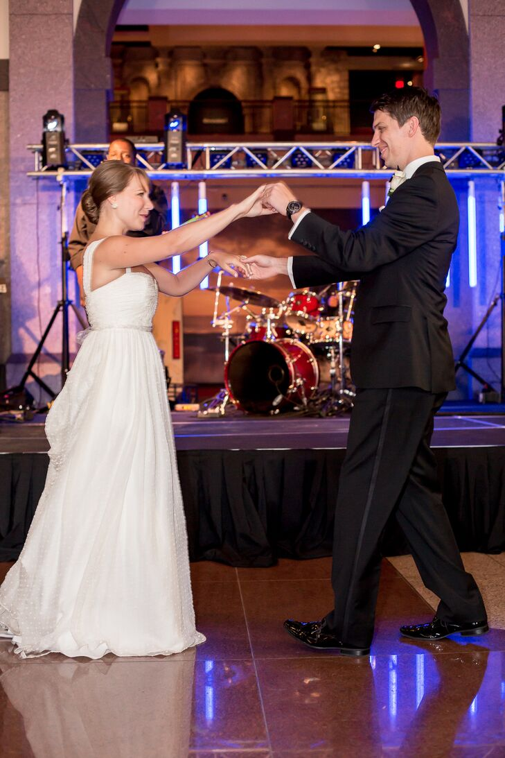 """At the reception, guests had a great time dancing to the band In10City. """"Tim and I danced all night and loved every moment of dancing with our guests!"""" says Taylor."""