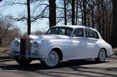 Monroe Limousine