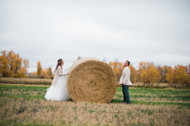 For their early-October wedding in Leduc, Alberta, Julia Scheffelmaier (22 and a secretary) and Matthew McKellar (28 and a firefighter and a commercia