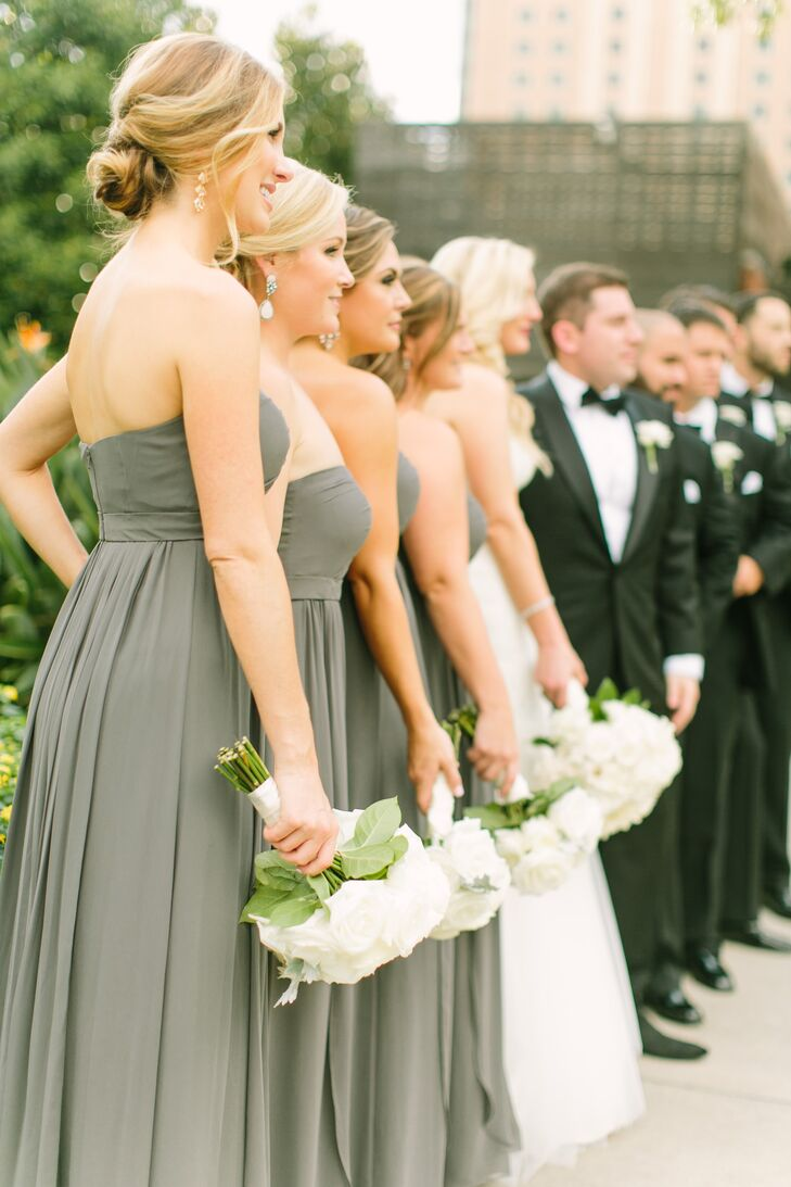 899223ef93e All four of Chelsea s bridesmaids wore the same gray
