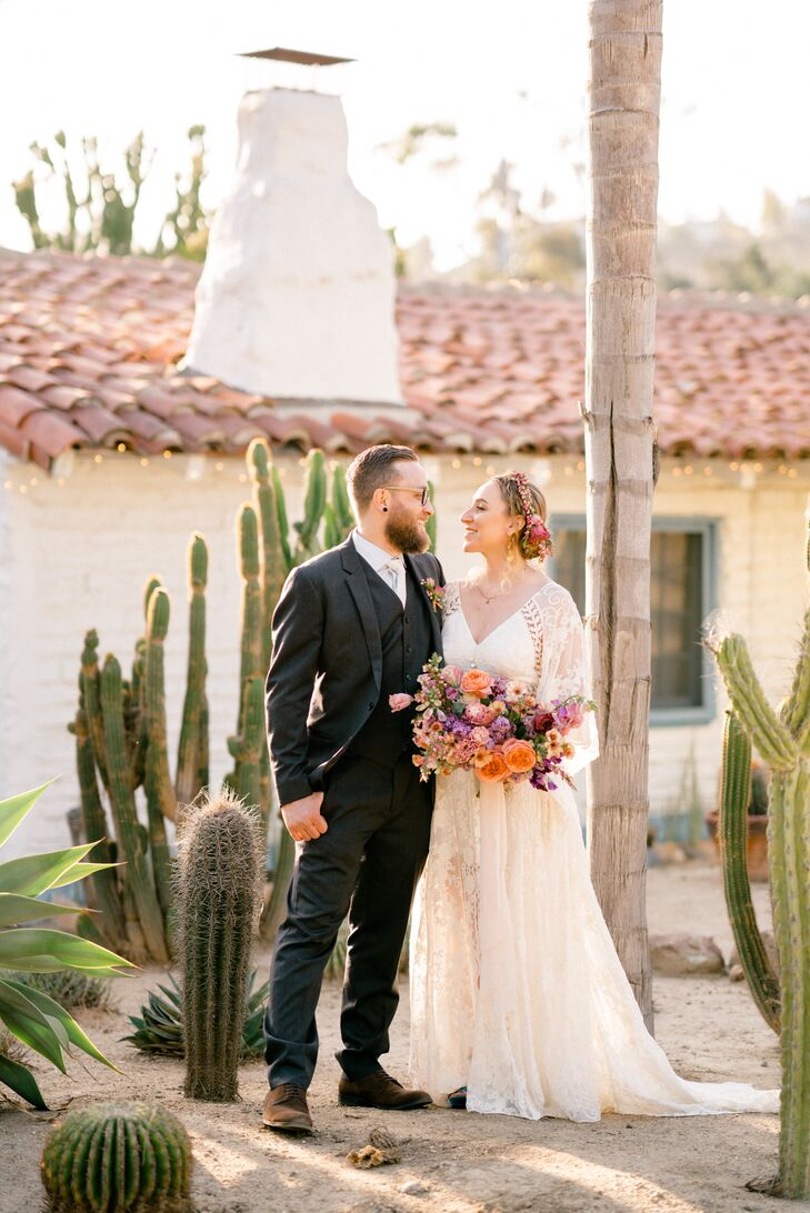 Caitlin Roberts and Nate Mencini's Cinco de Mayo wedding was a relaxed and colorful affair. From Caitlin's blue velvet platform shoes to strings of ca