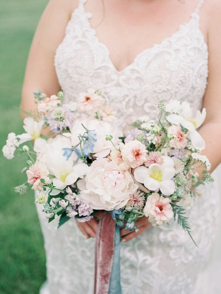 Pastel Bridal Bouquet at Cincinnati, Ohio, Wedding